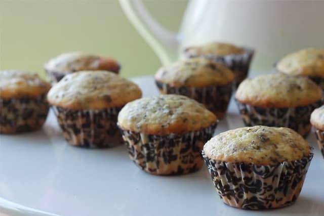 freshly baked mini oreo cupcakes