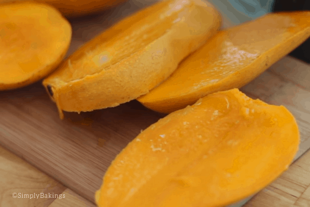 delicious and sweet sliced mangoes for mango shake recipe