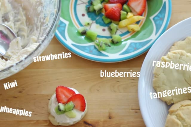 mini fruit pizza ingredients with cream cheese