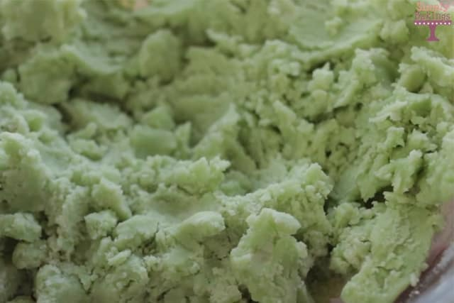 Lime-flavored cookie dough