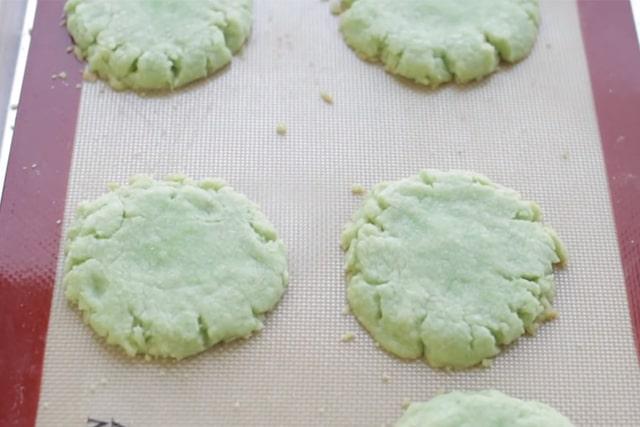 freshly baked Jello cookies