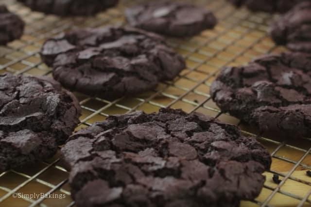 freshly baked brownie cookies on a cooling rack