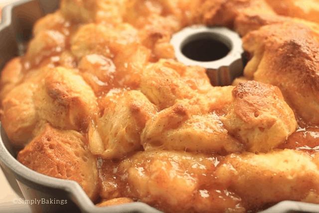 upclose shot of the freshly baked apple monkey bread