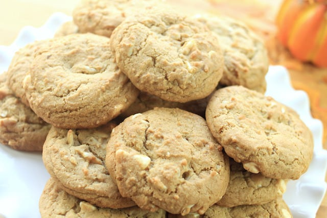 delicious Vanilla Chai White Chocolate Chip Cookies on a white cake tray