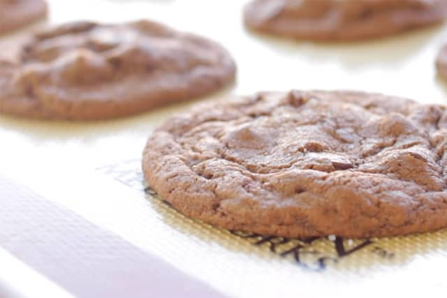 freshly baked salted caramel chocolate cookies