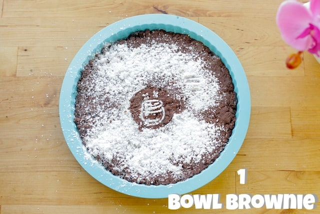 one-bowl brownie drizzled with powdered sugar