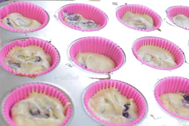 ready to bake blueberry cupcakes in pink cupcake liners