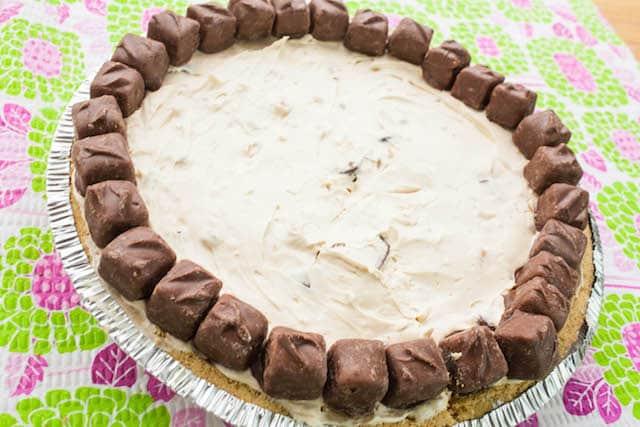 no bake snickers bites cheesecake