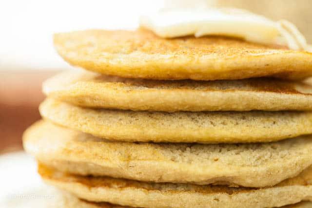 fluffy vegan banana oatmeal pancakes