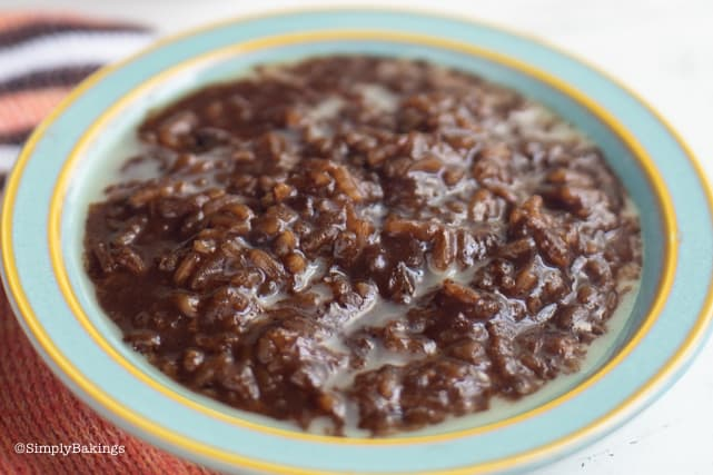 vegan filipino champorado in a pretty bowl