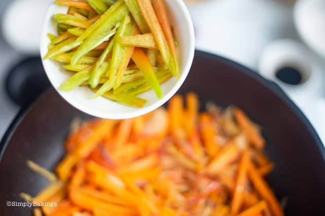 adding the bell pepper strips for the Filipino Vegan Escabeche