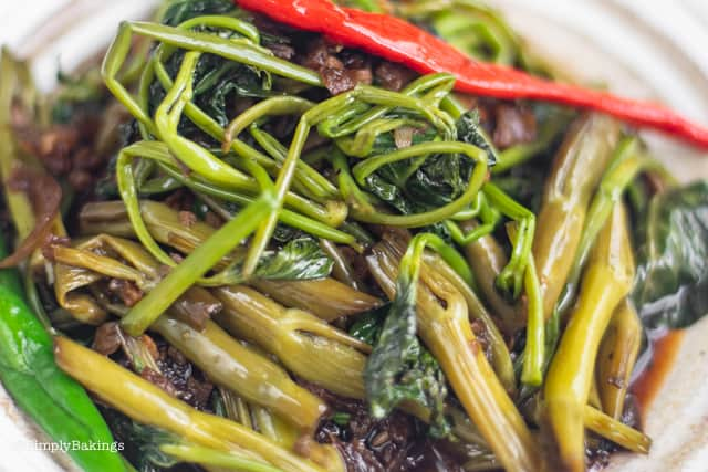 cooked Adobong kangkong with chili