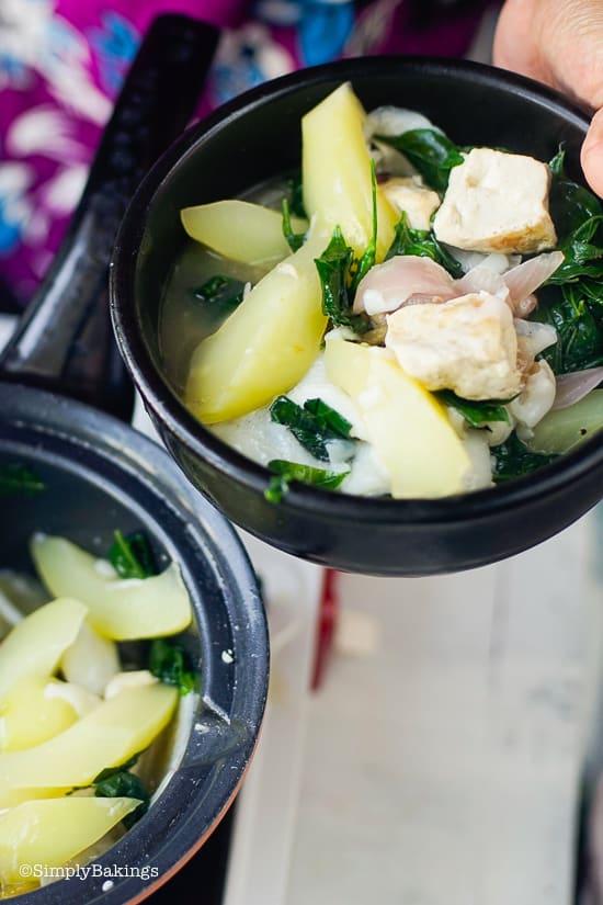 vegan Binakol in a balck bowl