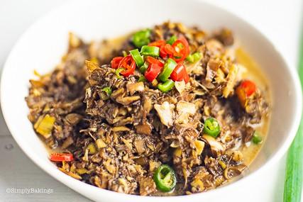 closeup shot of the vegan ginataang puso ng saging