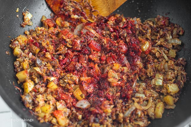 delicious vegan corned beef hash in a pan