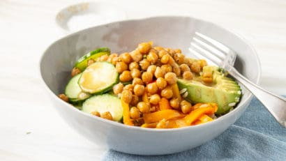 healthy and fiber-rich chickpea buddha bowl