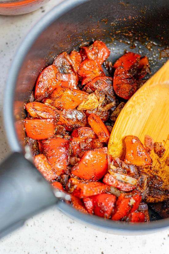 vegan pumpkin chili in a saucepan