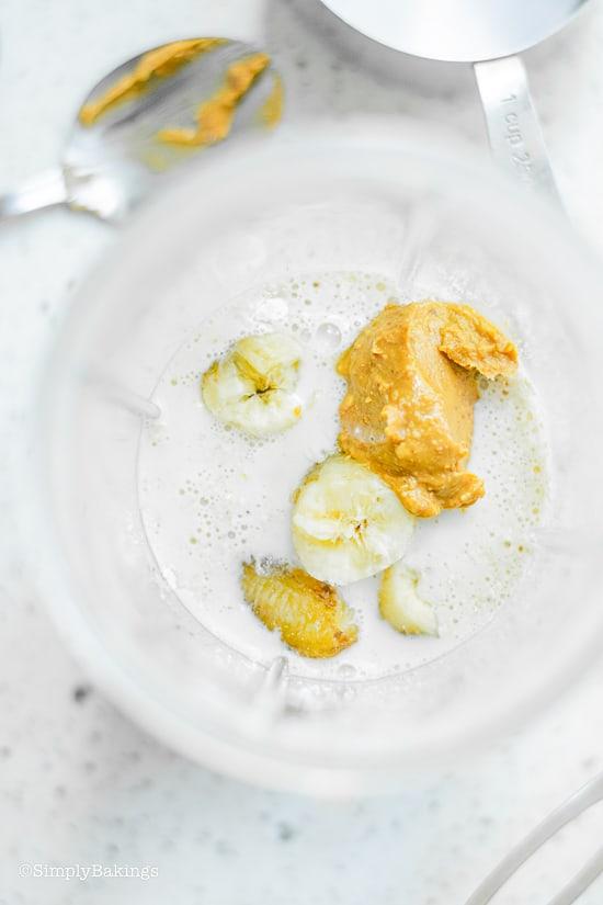 egg free pancake ingredients in a blender