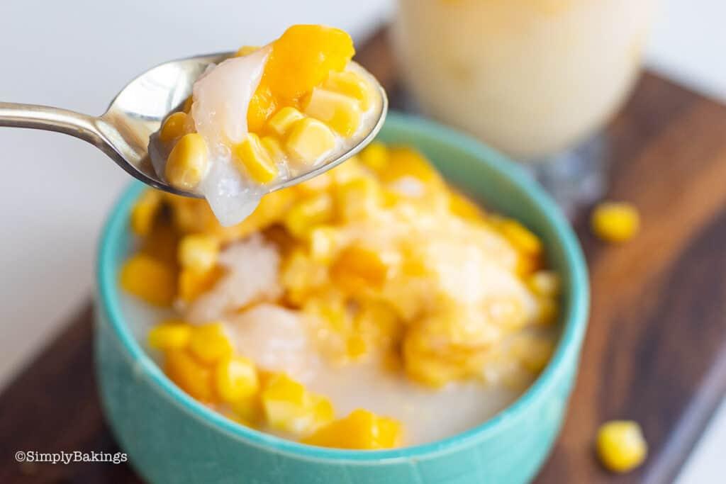 a spoonful of mais con yelo